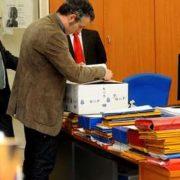 El juez (izquierda) registró el Concello de Ferrol hace un año. Ángel Manso