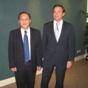 El Presidente de la Autoridad Portuaria de Ningbó y el asesor jurídico del Puerto de Ferrol, Don Ricardo Pérez Lama